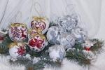 Addobbi natalizi ricamati di punto croce
