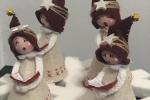 Coro composto da quattro angeli addobbi per Natale