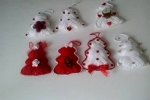 Alberelli natalizi realizzati all'uncinetto