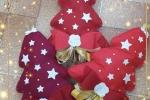 Alberello natalizio in feltro decorativo fuoriporta.
