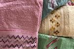 Asciugamani ricamati con punto crivo