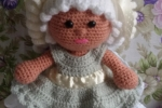 Bambola amigurumi con vestitino asportabile