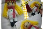 Bambola amigurumi capelli lunghi gialli