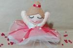 Bambola ballerina in spaccata
