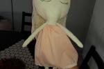 Bambola di stoffa con vestitini di ricambio in cotone