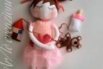 Bambola interattiva in feltro fantasia