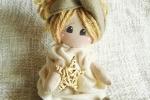 Bambola seduta, festa della mamma, idea regalo, nascita
