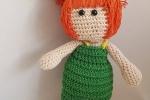Bambola in cotone con la tecnica amigurumi