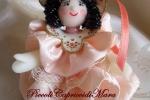 Bambolina in pasta di mais, vestitino rosa pesca