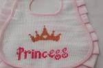 Bavaglino ricamato punto croce per una piccola principessa