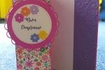 Biglietto di auguri realizzato in cartoncino colorato