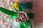 Bomboniera per ogni evento nastro verde con fiore