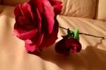 Bomboniera rosa in cartoncino con stelo