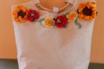 Borsa cotone con fiori uncinetto manici legno
