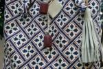 Borsa shopper di puro cotone con nappina di pelle e inserti