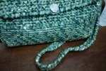 Borsetta fatta a mano con tracolla verde
