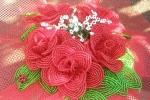 Bouquet di rose rosse di perline