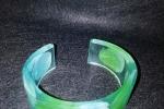 Bracciale aperto rigido in resina