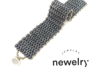 Bracciale in tessitura di perline con ago e filo