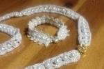 Bracciale più collana a uncinetto con inserti di perline