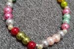Braccialetto multicolor con cuore