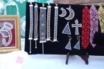 Bracciali realizzati a tombolo con perle in vetro
