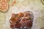 Calamite vassoio decorata con dei dolcetti in pasta di mais
