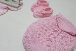 Tenerissime scarpine per la nascita con perline