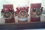Candela cera rossa decorata con yuta, fetta arancia bacche, anice, stellato