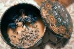 Candela artigianale creata con la cera d'api profumata alla lavanda