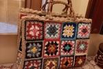 Borsa mattonelle granny square, realizzabile in cotone, lana o cordino