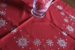 Centro tavola di Natale interamente ricamato a mano
