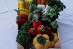 Centrotavola di verdure lavorato a maglia e uncinetto