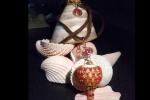Ciondolo trottola con sfera color panna in ceramica