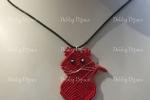 Collana con ciondolo gatto rosso in macramè