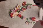 Collana con fiori fatti a mano e cameo su conchiglia