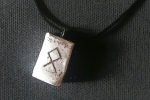 Collana con runa celtica Othala