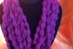 Collana di lana disponibile in diversi colori