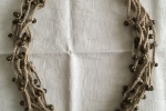 Collana girocollo di cotone lavorata all'uncinetto