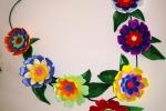 Collana realizzata con fiori in gomma crepla