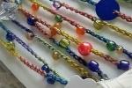 Collana multicolor lunga con perle e perline