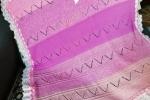 Copertina neonato,color rosa,realizzata a mano ai ferri