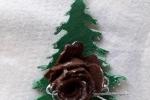 Decorazione di natale a forma di albero in feltro