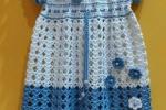 Vestitino bimba fatto a mano all'uncinetto azzurro e bianco