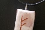 Fehu, collana con ciondolo simbolo celtico di fortuna materiale
