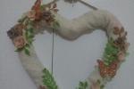 Fuori porta con decorazioni in lamina di rame e sughero