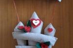 Fuoriporta home decorato con rose, cuori e fiocchi