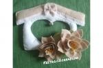 Fuoriporta feltro bianco e beige con due fiori