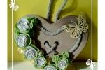 Fuoriporta cuore in legno e rose