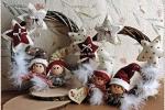 Ghirlanda natalizia in vimini con elfi